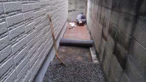 奈良防草シート工事中